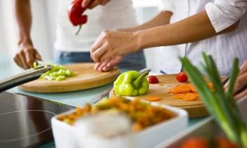کلاس هفته سوم آذر ماه دوره آشپزی عمومی