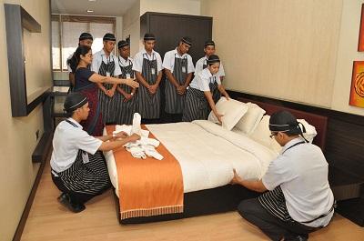 کلاس هفته چهارم دی ماه دوره مدیریت عمومی هتل