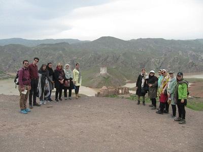 بازدید از دژ تاریخی سمیرم تارم