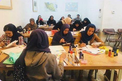 برگزاری کلاس های آموزشی شاغلین صنایع دستی در آکادمی میزبان قزوین